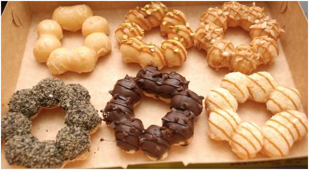 Mesin-Pembuat-Donut-Bentuk-Flower-listrik-1